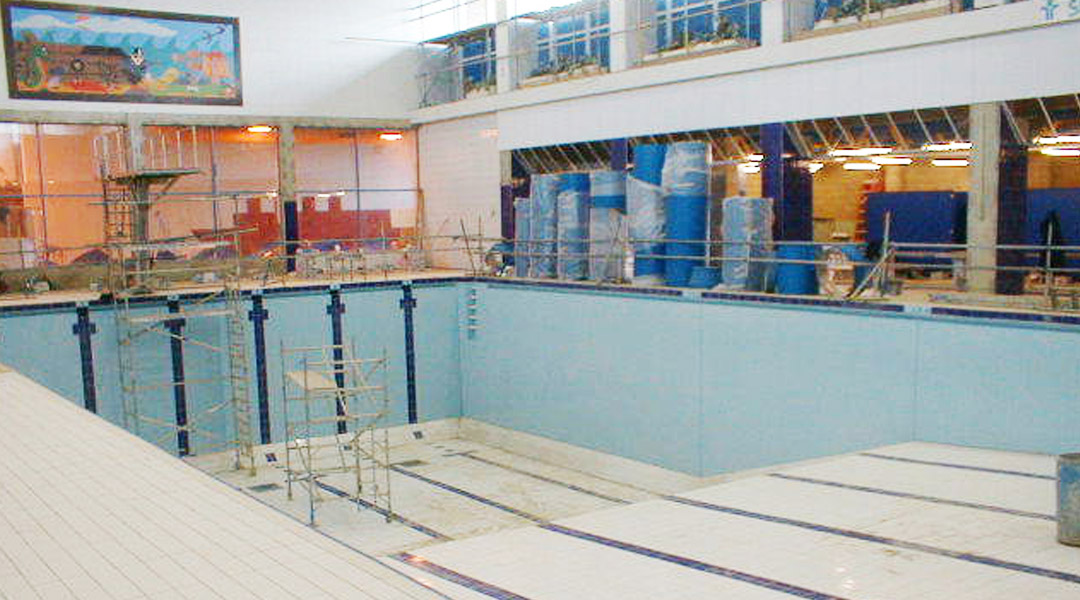 Leisure and public buildings a c preou heating ventilating and air conditioning engineers for Ilford county high school swimming pool